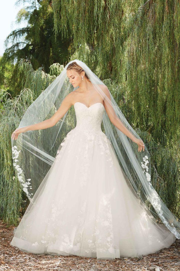 Bridal Designer Casablanca Spring Collection